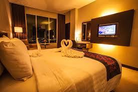 King Hotel Batam Deluxe King Room