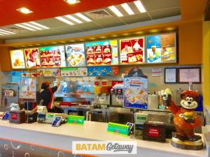 Batam Mega Mall A&W Fast Food Restaurant Counter 3