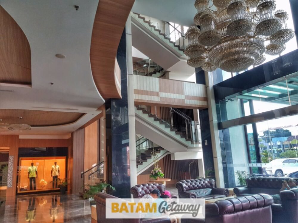 batam nagoya hill hotel review main lobby