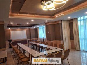 batam nagoya hill hotel review meeting room